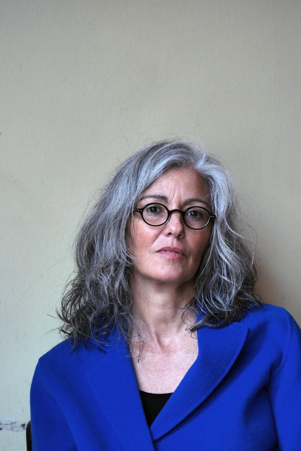 """Sandra Hoffmann arbeitet für das Literaturhaus München und unterrichtet seit vielen Jahren kreatives Schreiben. In ihrem preisgekrönten Roman """"Paula"""" hat sie die eigene Familiengeschichte aufgegriffen. Copyright: Martin Fengel"""