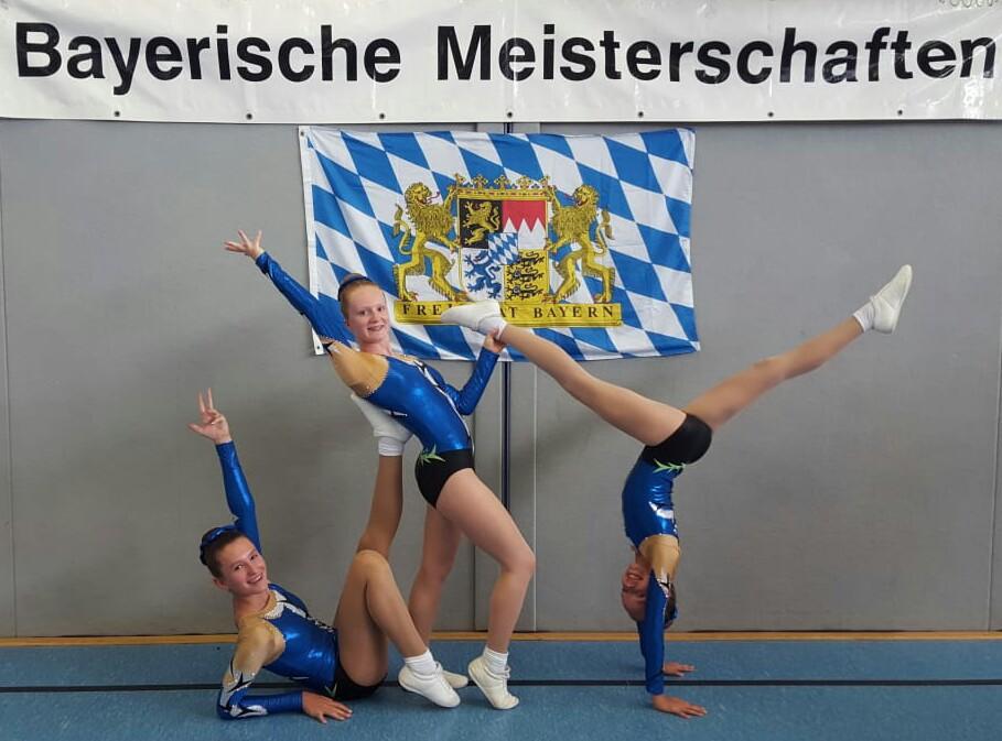 Foto v.l.n.r: Elina Franz, Aly Hermanek, Romana Buchova