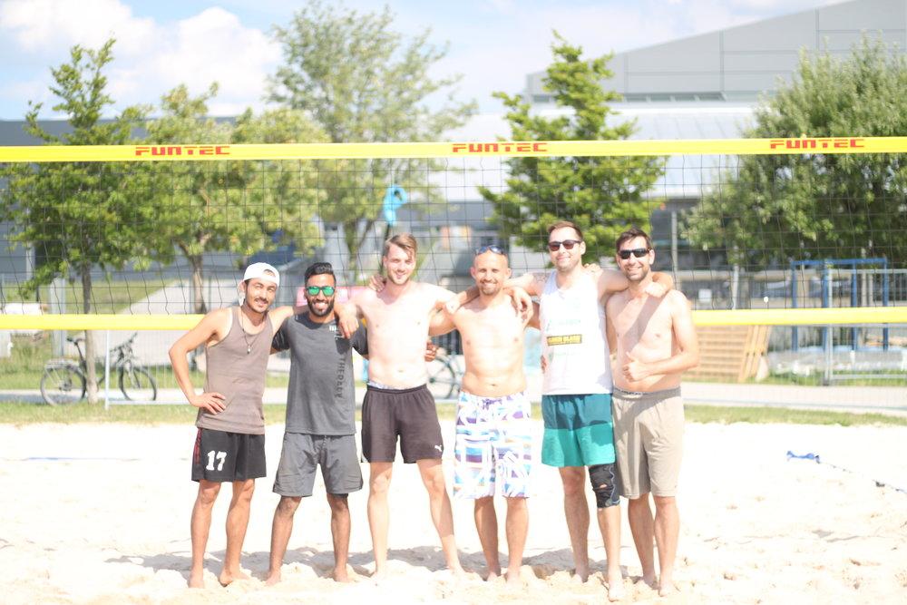 Die Sieger von links:  Fazul Ahmad Nazari/Omari Manogul (Platz 3), Jojo Flemke/Alex Klein (Platz 1), Enrico Eichner/Benny Beute (Platz 2)