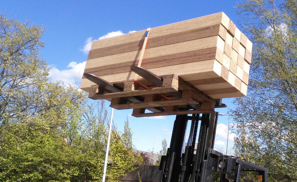 KOSA-bamboo-balken-heftruck.jpg