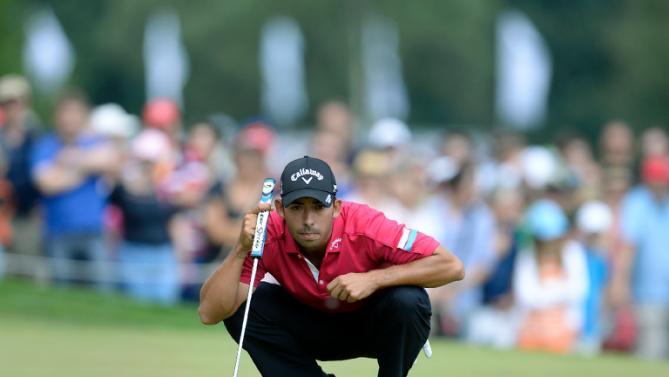 golf by josh pablo larrazabal