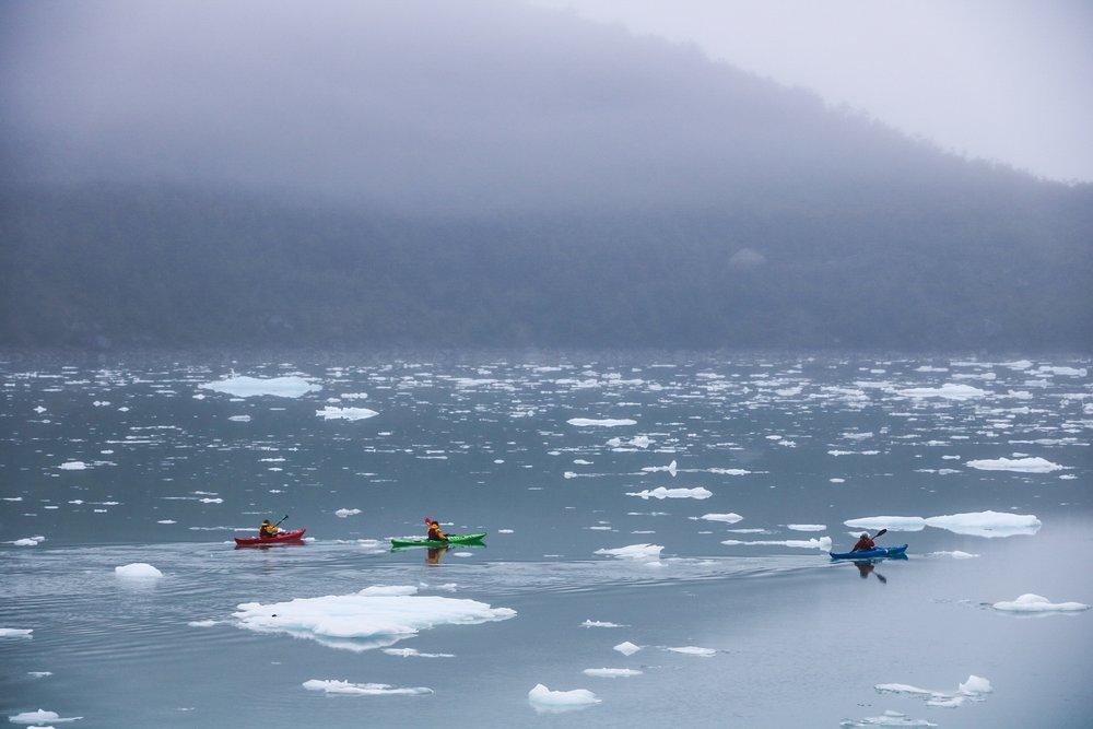 kayak en patagonia serrano lagoon.JPG