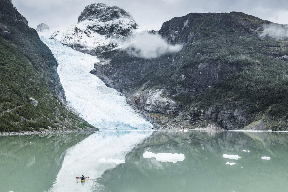 kayak en patagonia serrano glacier 1.jpg