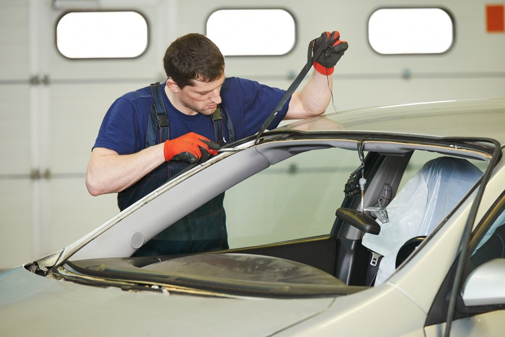 windshield-auto-car-glass-repair-replacement-6.jpg
