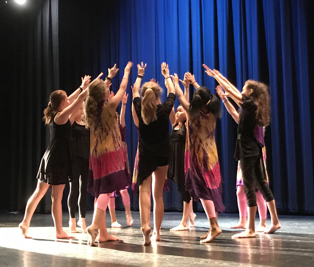 Black Box Dance Theatre visited Martin Middle School for a performance and a five-day residency with the Martin Dance Company and Dance Ensemble classes in November 2017. The residency culminated in an after-school performance titled #Journeys, which included two pieces from the residency: #Day of Dead and #Goodtogo.