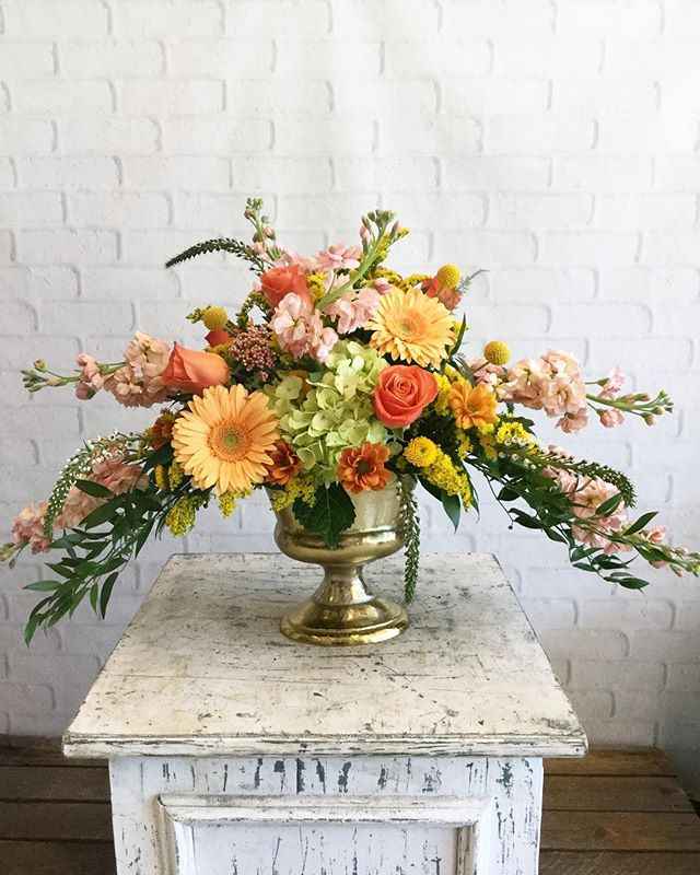 "A flower display this beautiful should win an award. 💐 And it did! @fallonsflowers of Raleigh took home gold in the ""Best Florist""  category in our 2019 Diamond Awards! 💎 Curious to know who else topped the list? Click the #linkinbio."