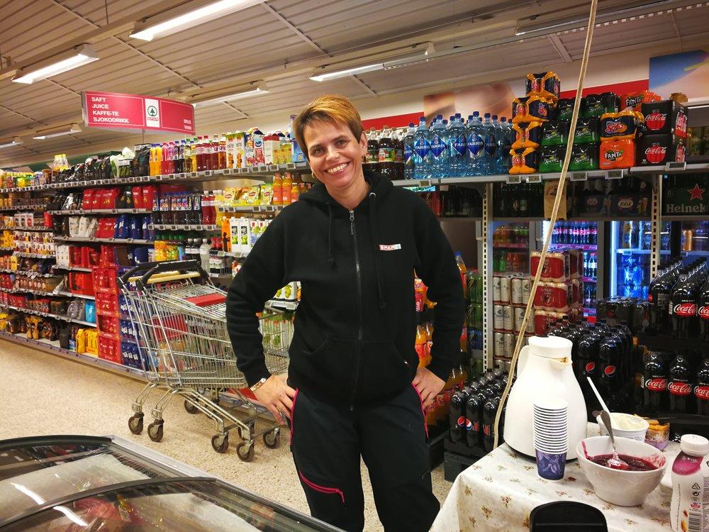 Irene Haugen Gaustad, the friendly manager at Spar Atrå