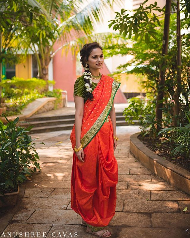 Saloni Prasad, Alibaug  Saloni dressed in this beautiful Maharashtrian traditional hard for her Puja.  Shot for @theweddingsalad  #anushreegavas #theweddingsalad #candidphotography #coupleportraits #lookslikefilm #junebugweddings #mumbaiweddinhphotographer #punephotographer #rajasthan #candidwedding #weddingphotography #photooftheday  #indianwedding #instawedding #couplegoals #iamnikon #nikon #coupleportrait #destinationwedding  #destinationweddingphotographer #asianwedding  #indianbride @nikonindiaofficial @sigmaphotoindia @punephotographylovers @photographersatpune @maharashtrian_wedding