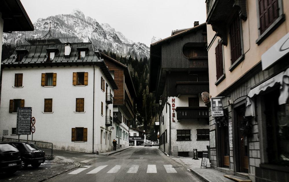DolomitesItaly-1.jpg