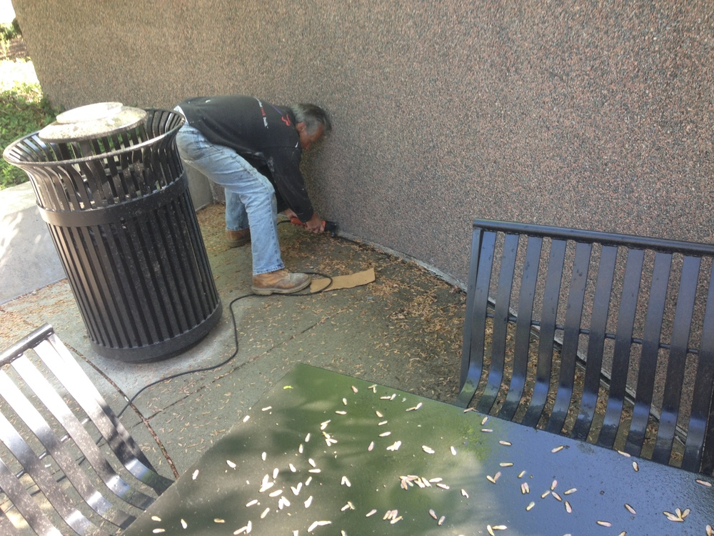 caulk-removal-and-replacement-park-center-plaza-independence.JPG