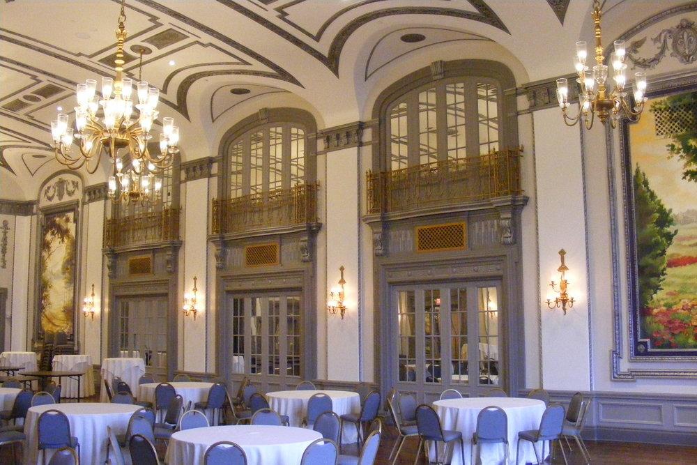 Tudor_Arms_ballroom.jpg