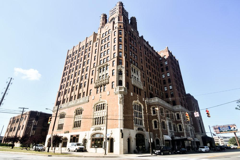 Tudor_Arms_Hotel.jpg