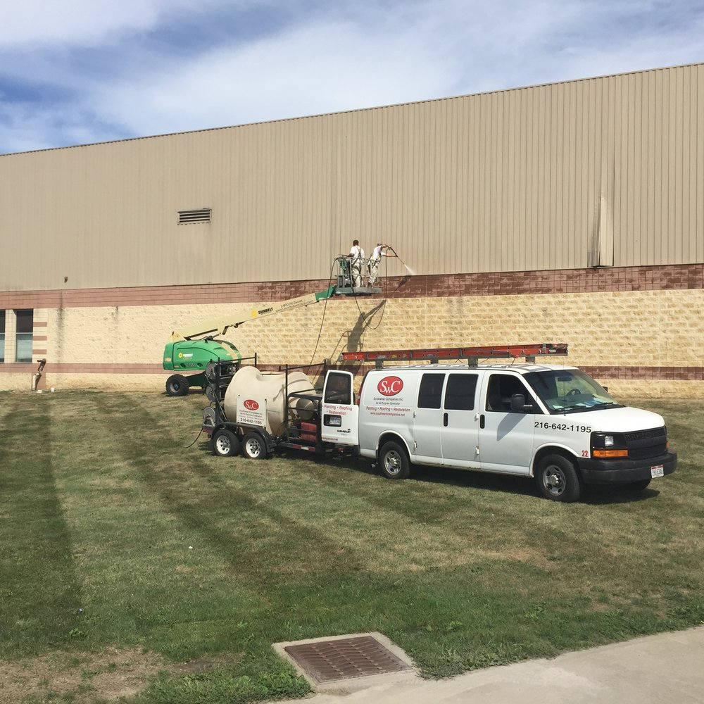 pressure-washing-rumpke-transfer-station-broadview-hts.JPG