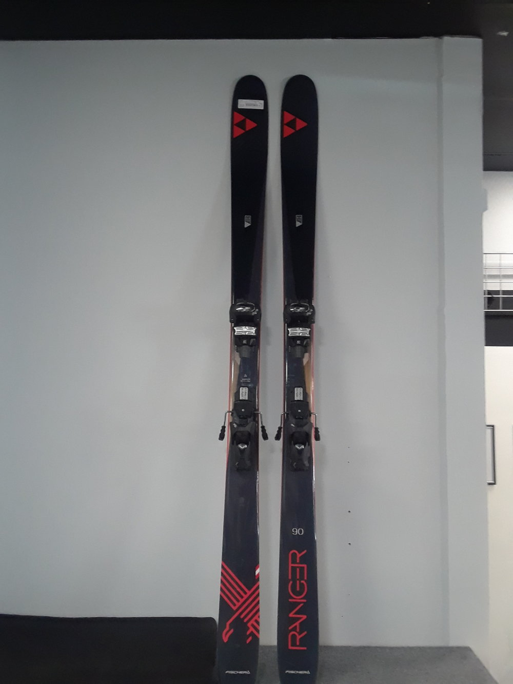 186 Fischer Ranger 90Ti W/Attack 13 bindings Our Price - $417 MSRP - $650