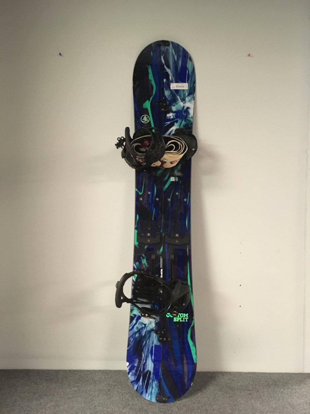 Find the powder with this fully outfitted 2016 160 Burton Custom Splitboard! It comes complete with Burton hardware,  Burton Hitchhiker bindings, and Burton/G3 skins. We have this $1500 setup priced at $799!
