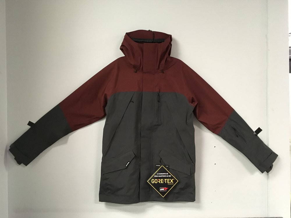 Dakine's Sawtooth Gore-Tex 3L jacket is bombproof! They have you covered in all types of extreme weather and mountain sports. Retail is $450 but we got you covered at $224! The size is a men's medium.