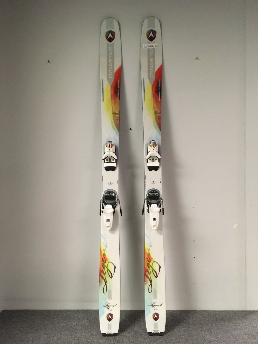 Dynastar's Legend 96 is back this year! A perfect all mountain ski with Look's Dual WTR 14 binding mounted to it. The Sticks are listed at $649 (without bindings) but we have the complete set up priced at $399! The length is 178.