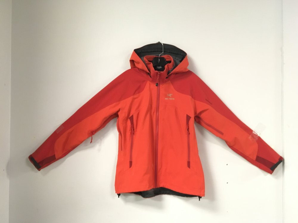If you're looking for a soft shell here's a winner. Arcteryx Gore-Tex Windstopper jacket that is lightly insulated! Size is a women's large and we have it priced at $199.