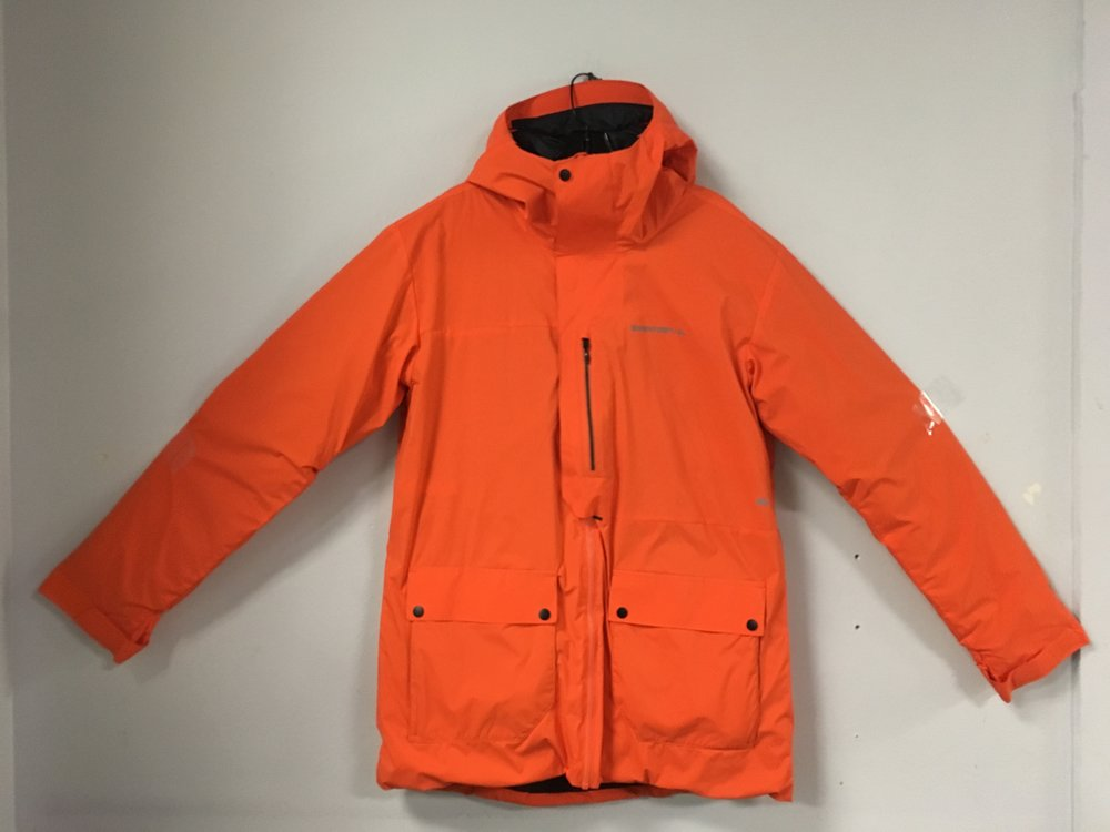 Be seen with Quicksilver/Brainfarm's Highline jacket! The jacket is lightly down insulated and features Gore-Tex Windstopper fabric. The size is a men's large and is priced at $169.