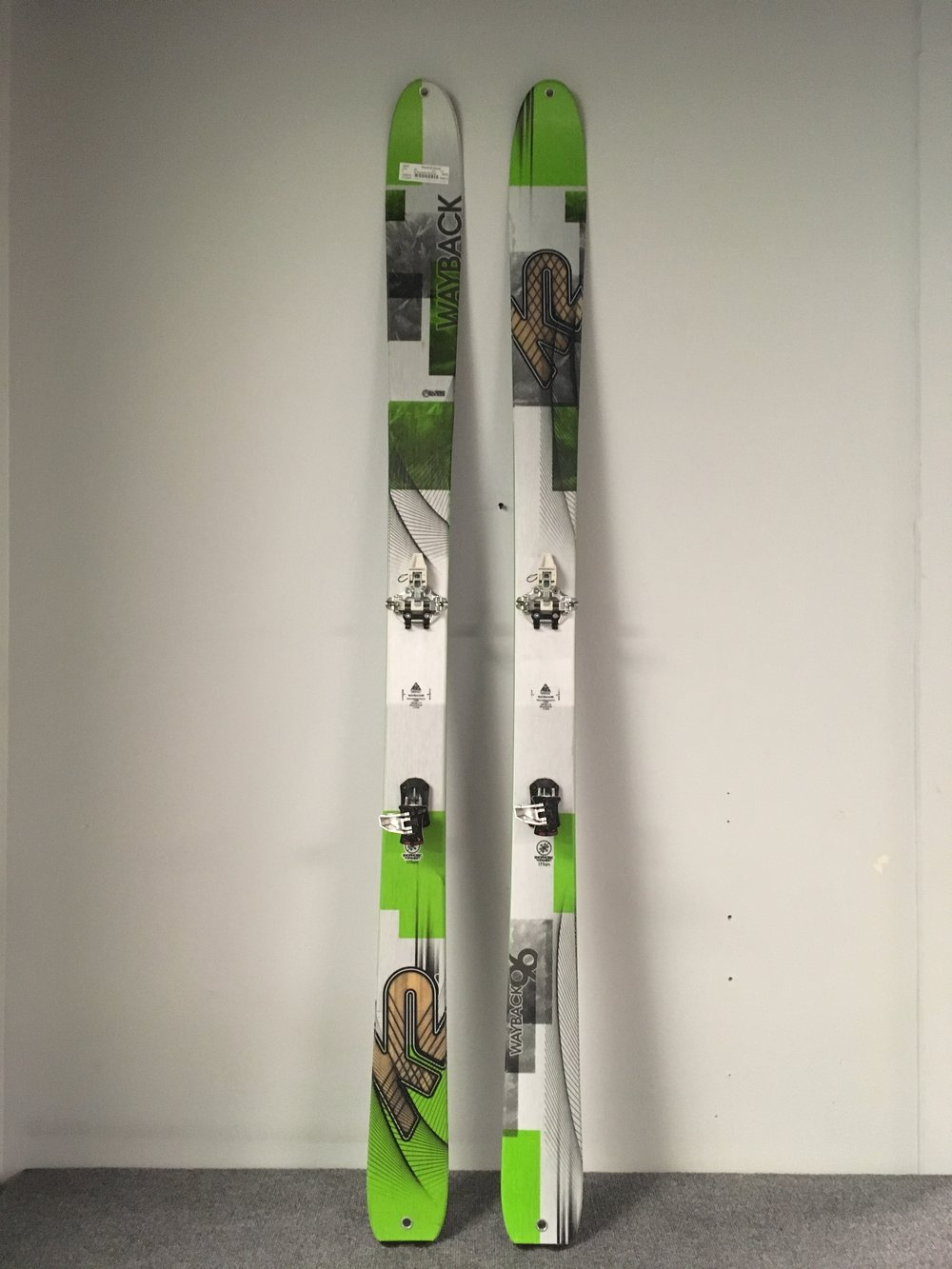 Get ready for spring touring with this lightweight setup! The ski is the K2 Wayback 96 and the binding is Dynafit's TLT Speed Radical. The full setup new would easily cost well over a $1,000 but we can get you skiing for $400! The length is 177.