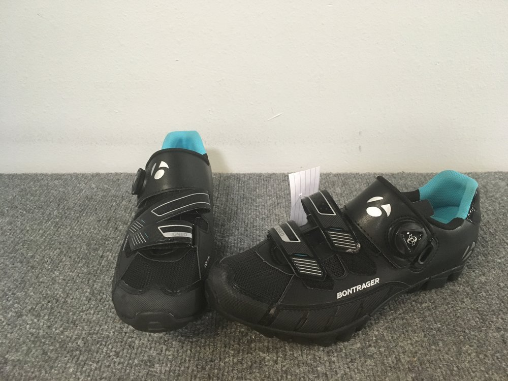 The Igneo Women's MTB shoe is tough, secure, and stiff enough for solid power transfer with the right amount of flex for comfort and stability in hike-a-bike sections. These puppies are brand new and are a size 8.5. Retail for the pair is listed at $130 but we can get you pedaling for $79!