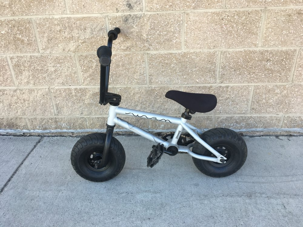 The Bounce mini BMX is one of the most unique bikes we've seen so far this season. Bounce claims the bike is for all sizes and can handle up to 300lbs! retail for the bikes range anywhere from $200-$250 but we got you covered at $99.