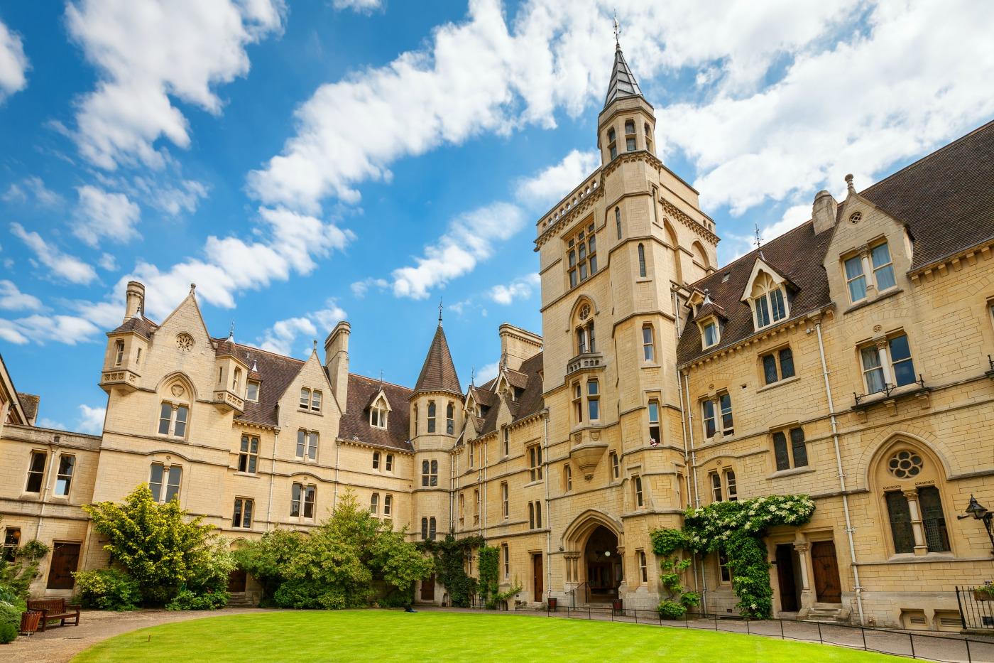 8aee8175dbf5 bigstock-Balliol-College-Oxford-Engla-80108990.jpg