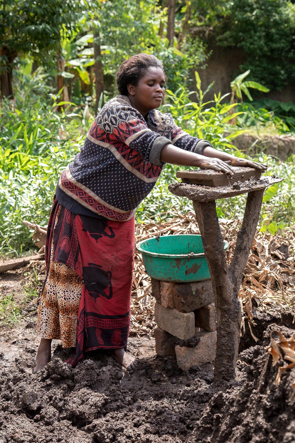 Adam Dickens 2017 - Deki Uganda - Bikone Young Mothers - Bricks 32.jpg