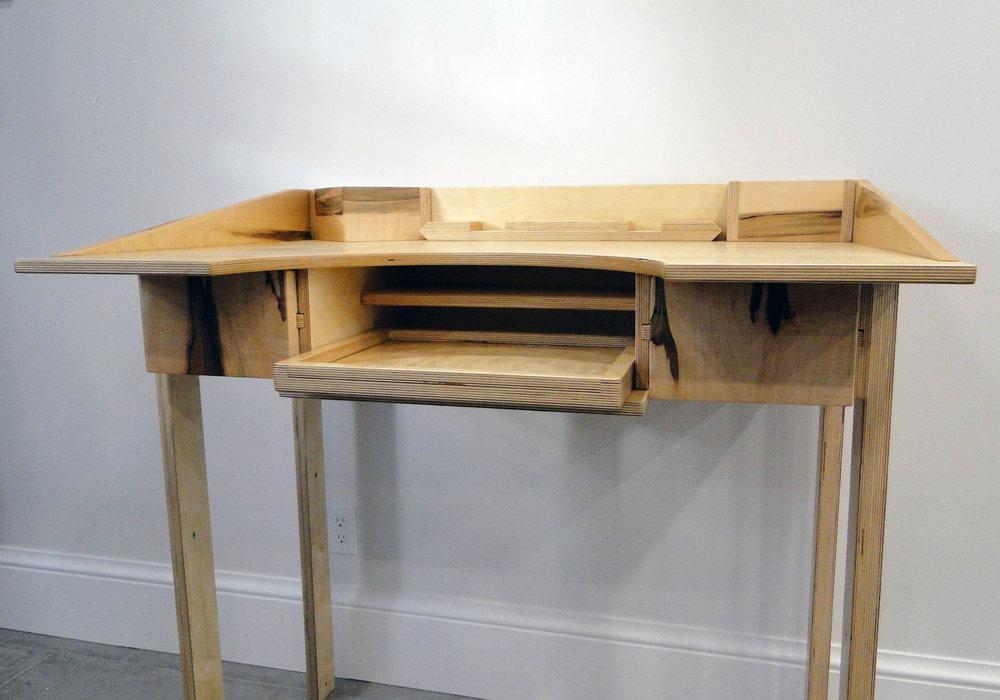 jewlery desk.jpg