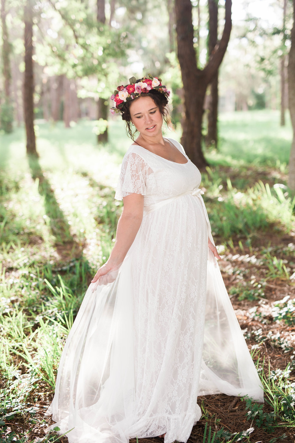 fairytale maternity shoot