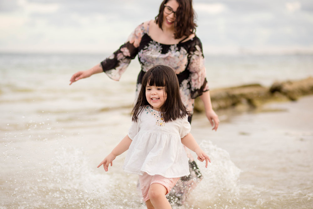 mother and daughter photo shoot, tampa bay