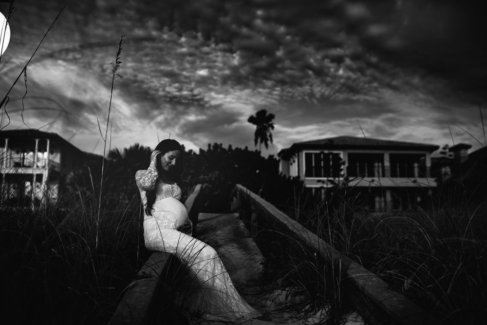 moody maternity photographer, st Pete beach fl