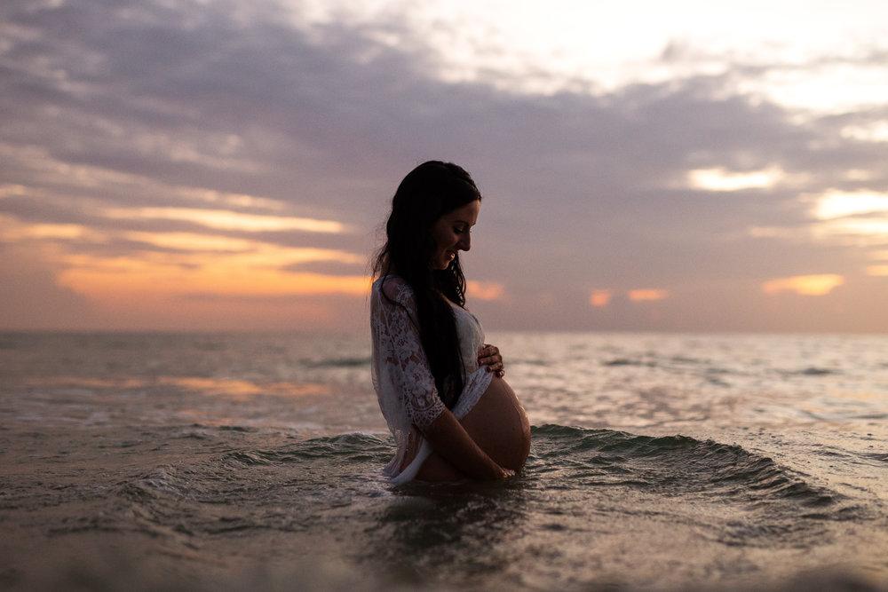 beach maternity photography, st Pete fl