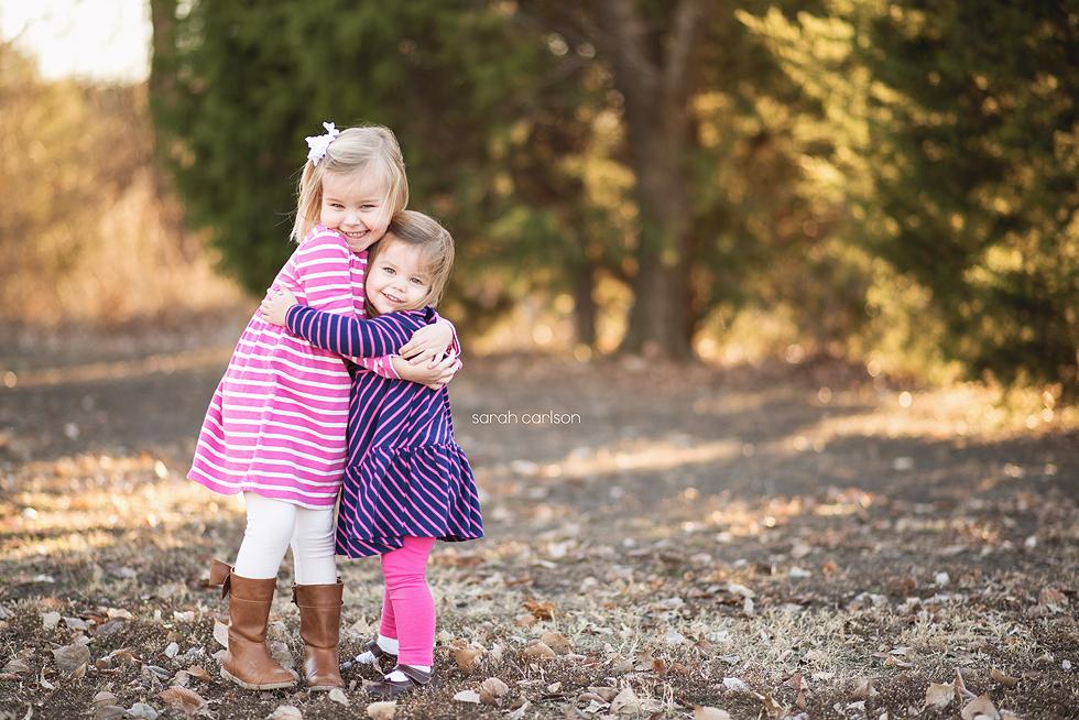 sister hugs1