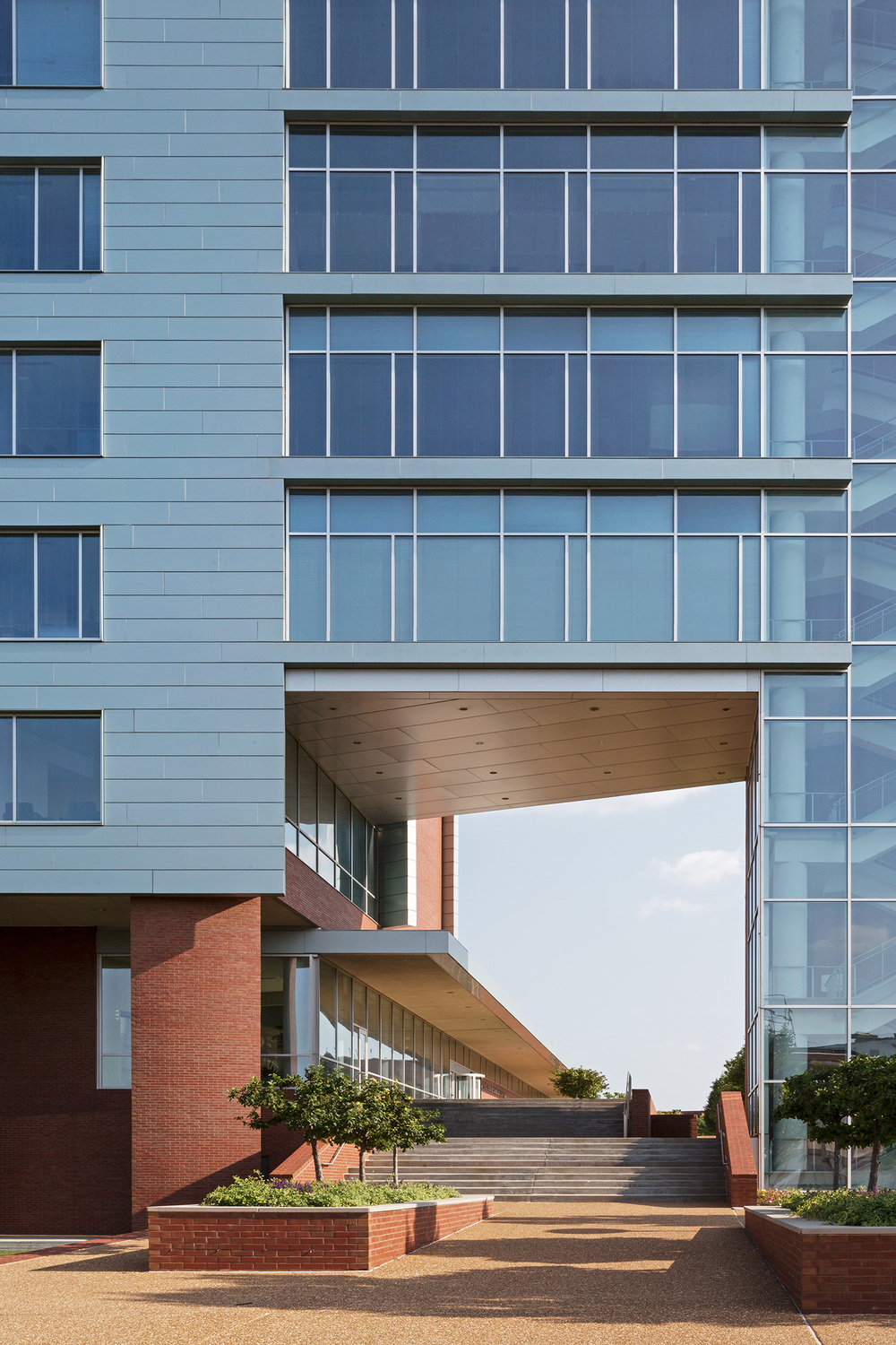 Doisy Research Center / Cannon Design / St Louis MO