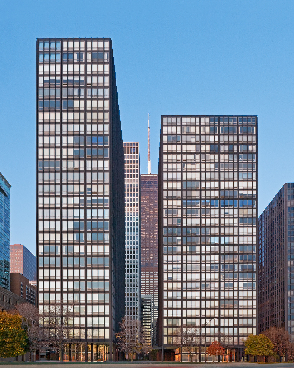 860-880 N. Lake Shore Drive / Chicago IL / Mies van der Rohe