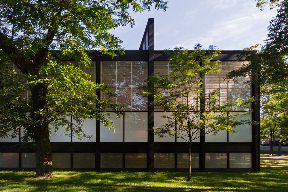 Crown Hall / Chicago IL / Mies van der Rohe
