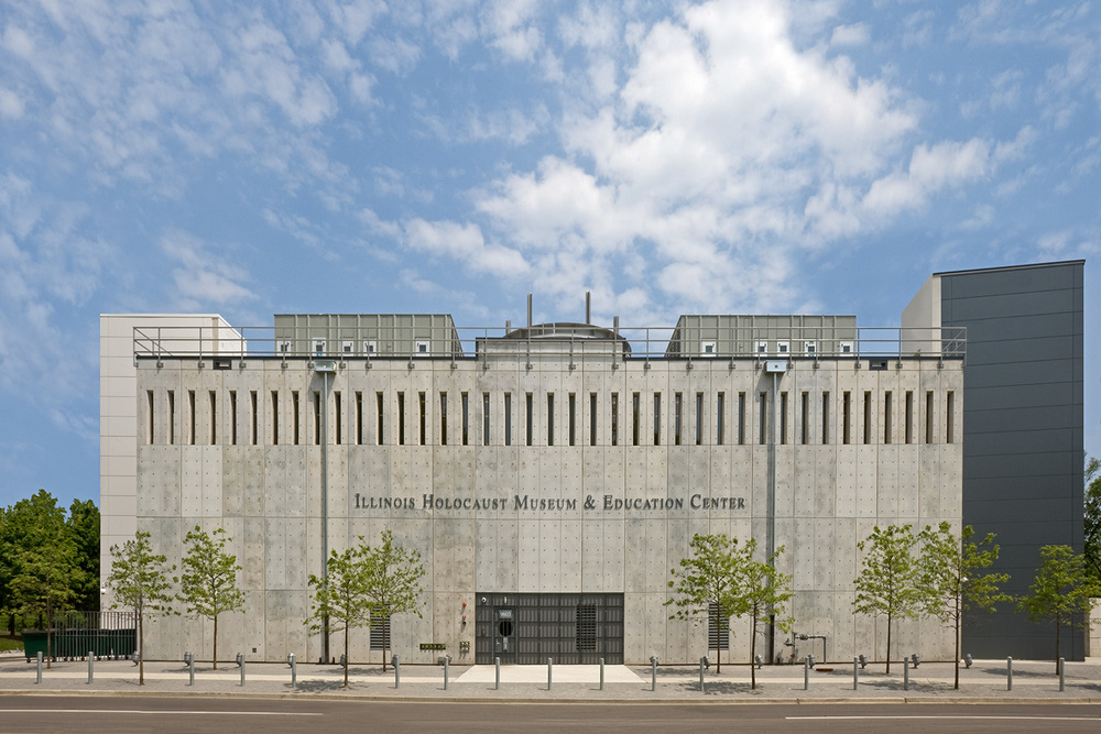 Illinois Holocaust Museum & Education Center / Skokie IL / Stanley Tigerman