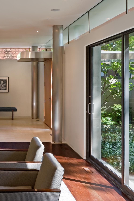 Lohan Anderson: Seigle House / Chicago IL