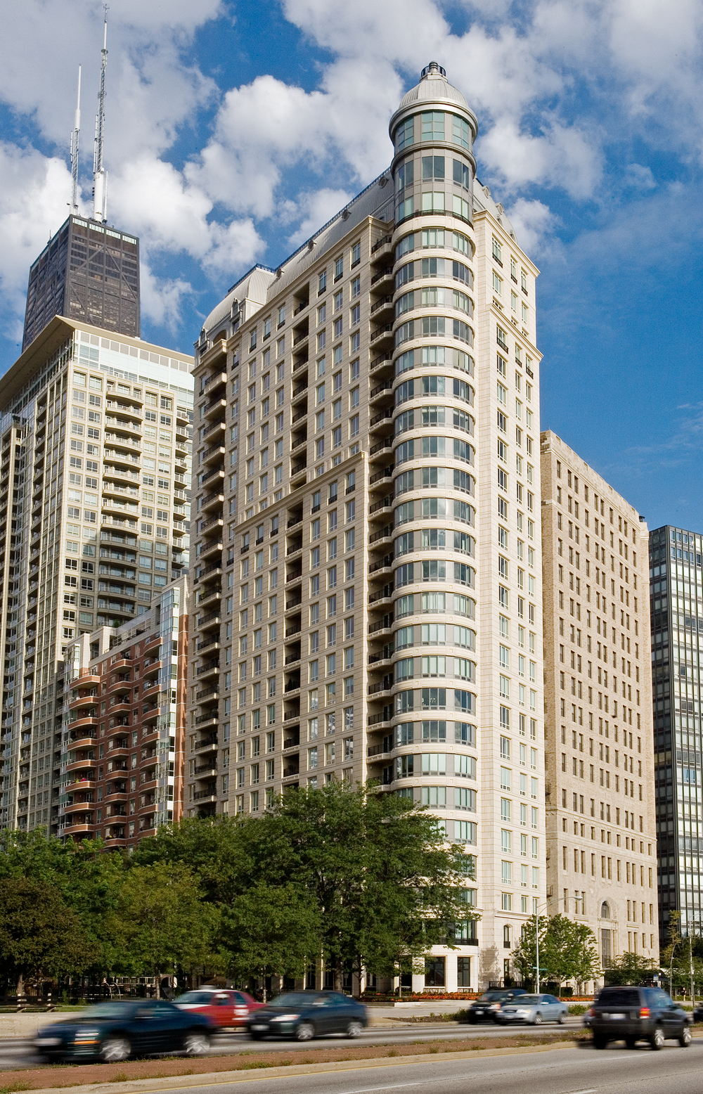 840 North Lake Shore Drive / Chicago / Lucien Lagrange