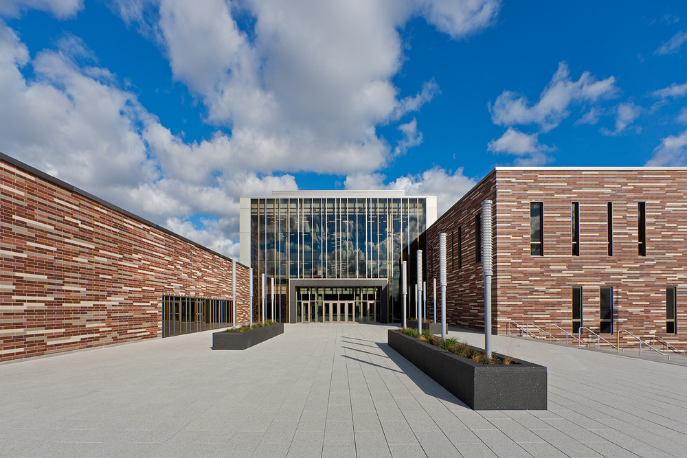 Solorio Academy High School / John Ronan Architects / Chicago IL