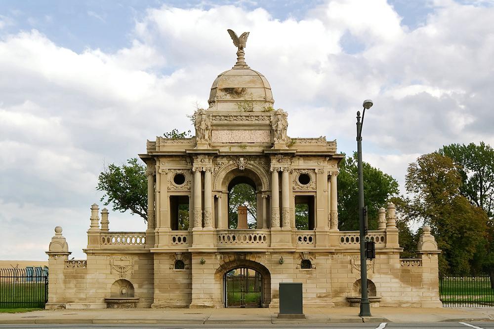 Chauncey Hurlbut Memorial Gate / Brede & Mueller / Detroit MI