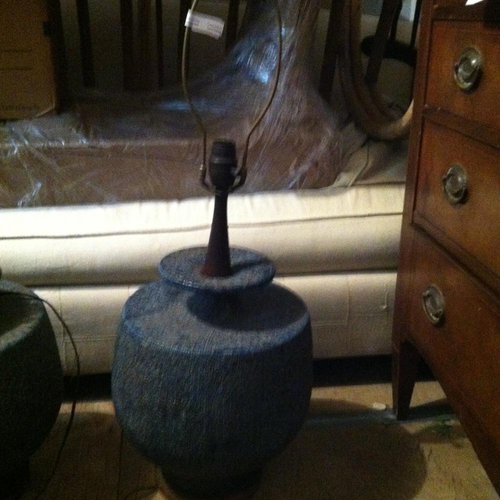 0336: LAMP W/ BLUE BASE