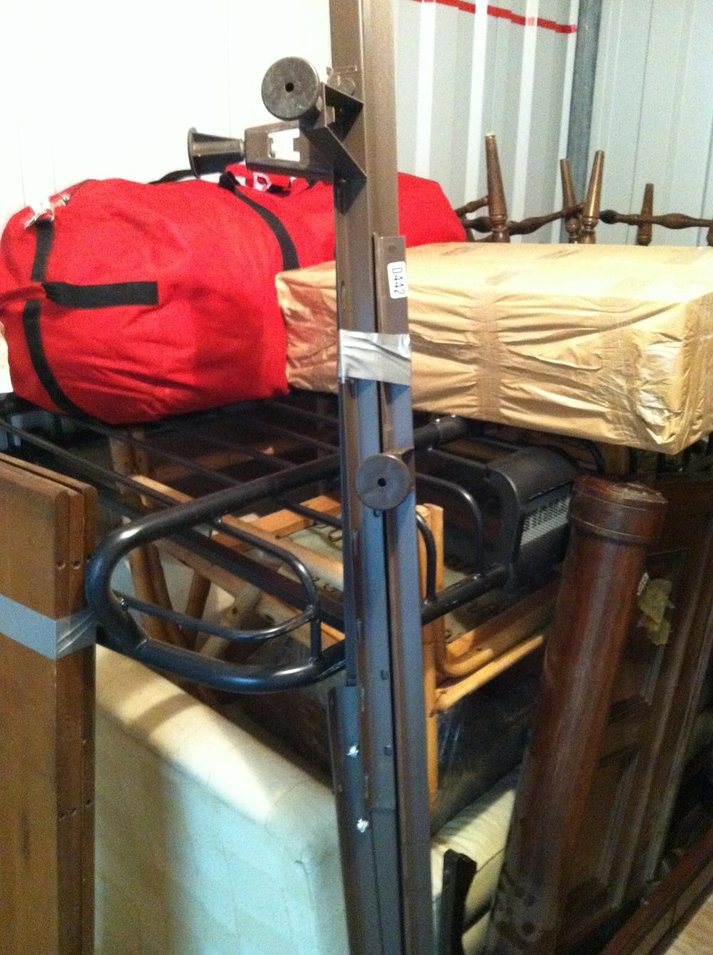 0442: Metal Bed Frame (3x)