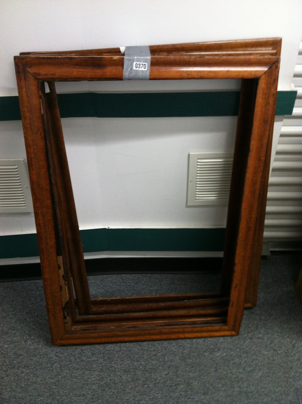 0370: Wood Picture Frames (5x)
