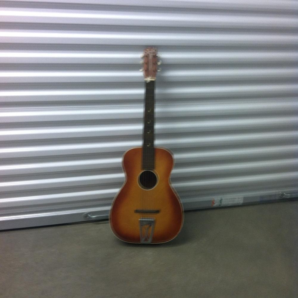 0124: Acoustic Guitar