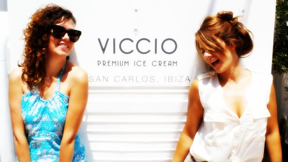 Laura & Carmen @ibizafoodlovers #CarmenYLaura