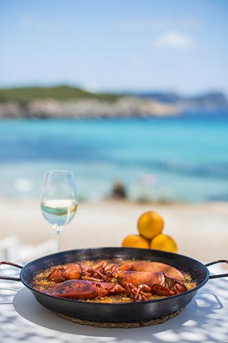 white-ibiza-atzaro-beach-restaurant-2015-04.jpg