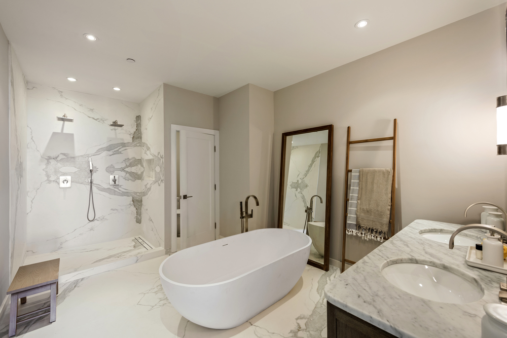 SS5- 15- Master bath angled.jpg