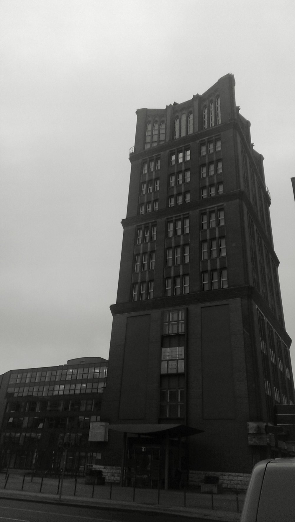 This is the Borsigturm. Built in 1922, it was one of the first skycrapers in Berlin.